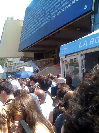 Queuing for Godard
